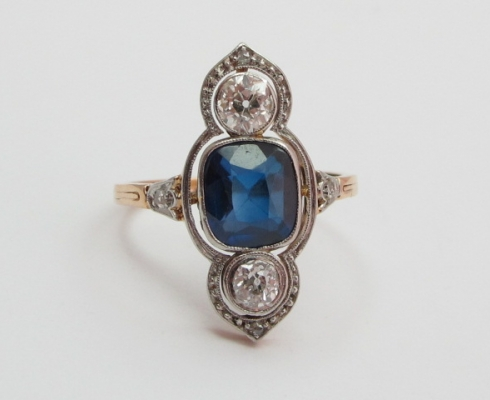 Juwelen Galerie - Antiker Ring Gold 585, Diamanten, Safir