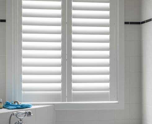 Jasno – Shutter & Blinds - Shutters Innenfensterläden