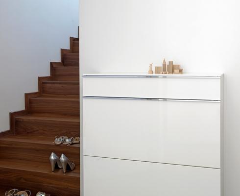 basic schuhschrank sch nbuch stilpunkte. Black Bedroom Furniture Sets. Home Design Ideas