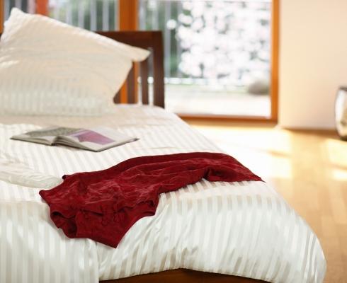 edle bettw sche aus 100 maulbeerseide silk couture stilpunkte. Black Bedroom Furniture Sets. Home Design Ideas