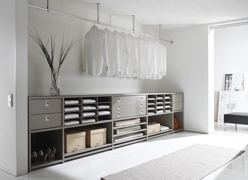 Stilpunkte-Blog: LUX118 schafft Aufbewahrungs-Möbel und Schranksysteme als Maßanfertigung, hier eine Nischen-Version oder Wand-zu-Wand-Lösung