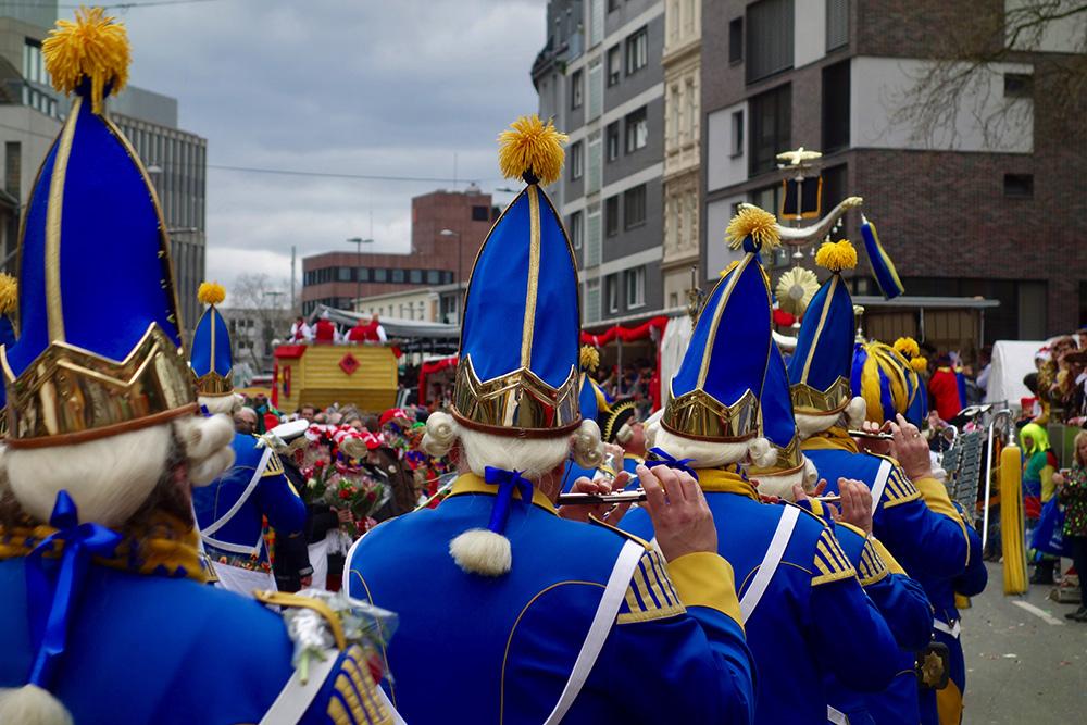 Stilpunkte-Blog: Kölner Prinzengarde, Karneval in Kölle. Foto: adobe stock