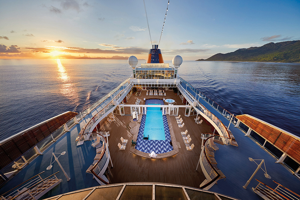 Stilpunkte-Blog: MS Europa Pooldeck. Foto: Hapag Lloyd Cruises