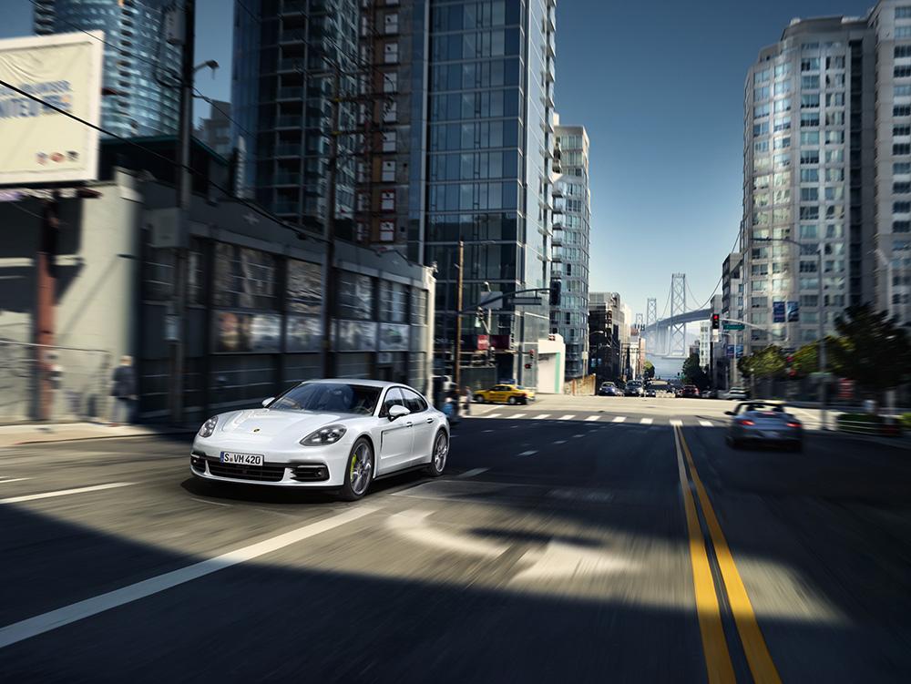 Stilpunkte-Blog: Porsche Panamera 4 E-Hybrid · Kraftstoffverbrauch (in l/100 km): kombiniert 2,5;  CO2-Emissionen kombiniert 56 g/km; Stromverbrauch kombiniert 15,9 kWh/100 km