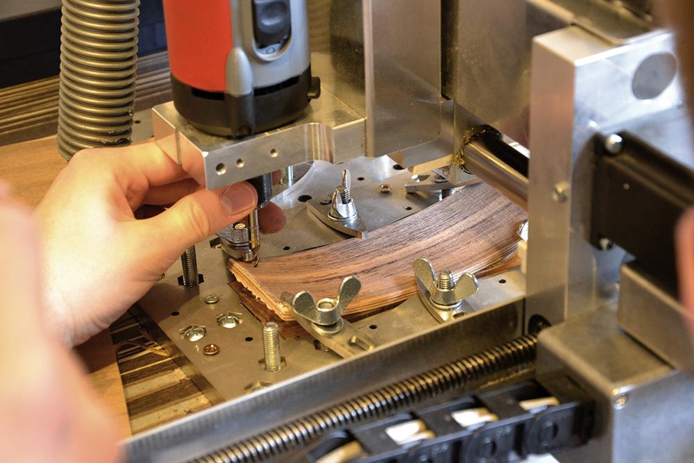 Stilpunkte-Blog: Fertigung einer Holzbrille. Foto: Schümmer Optik