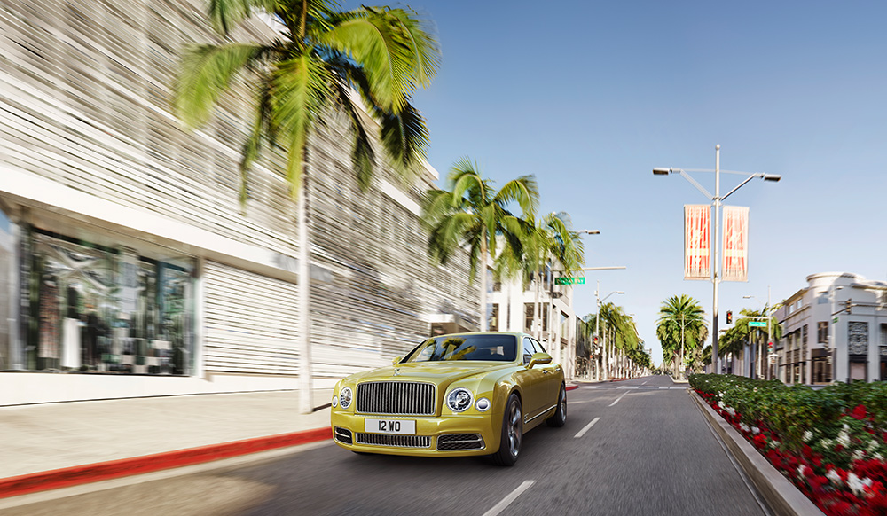 Stilpunkte-Blog: Tropical Streetlife mit dem Bentley Mulsanne. Foto: Pon Luxury Cars / Bentley
