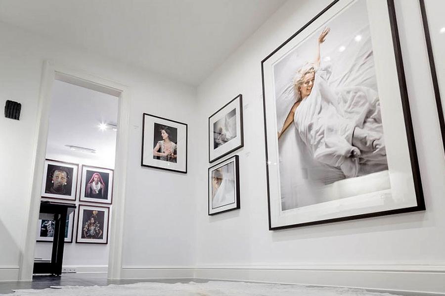 Stilpunkte-Blog: Blick in die Ausstellungsräume der Galerie Werkhallen. Foto: Werkhallen