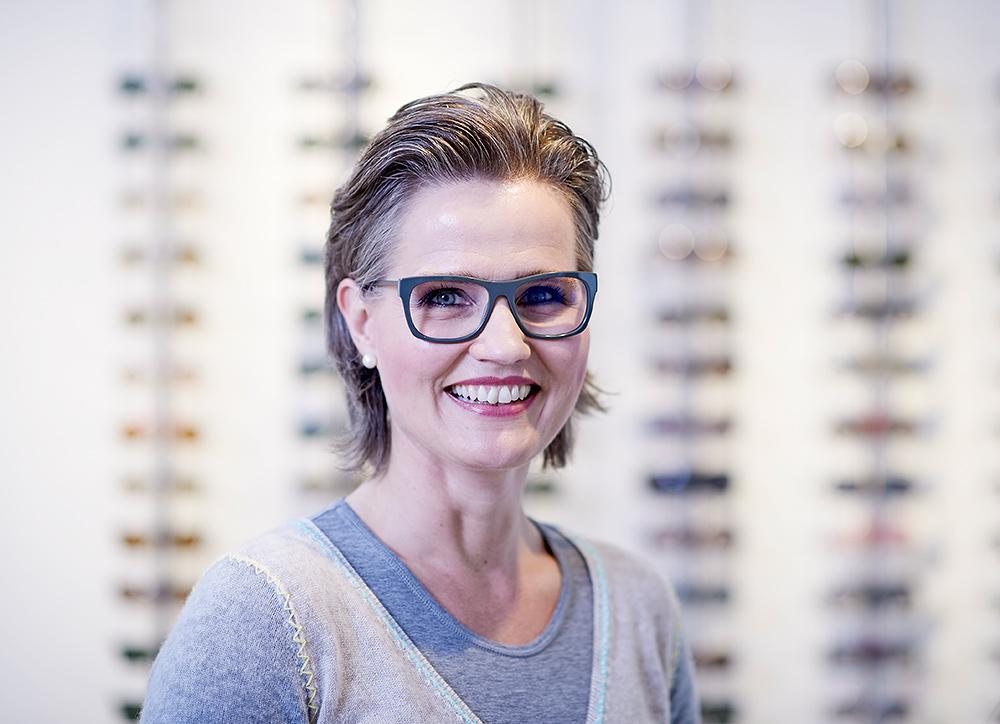 Die Brillen-Galerie Peterburs in Essen bietet persönliche Beratung, Qualität, Innovation und Nachhaltigkeit zugunsten hoher Kundenzufriedenheit.