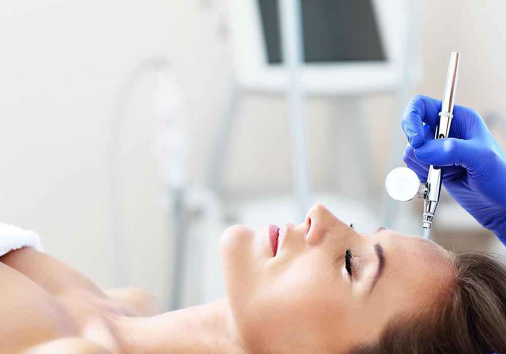 Stilpunkte-Blog: Behandlung bei Beauty Skin Cologne in Köln. Kosmetikinstitut, spezialisiert auf Medical Beauty, Anti-Aging, Faltentherapie, Hautprobleme, Bodyforming, Fettreduktion, dauerhafte Haarentfernung, Ultraschall, Radiofrequenz, Aquabrasion, Mikrodermabrasion, Mesoporation, HIFU, Microneedling, Kryolipolyse, Lipolaser, Infrarotlichttraining, Cellulite-Behandlung, Drei-Wellen-Diodenlaser und SHR-Methode.