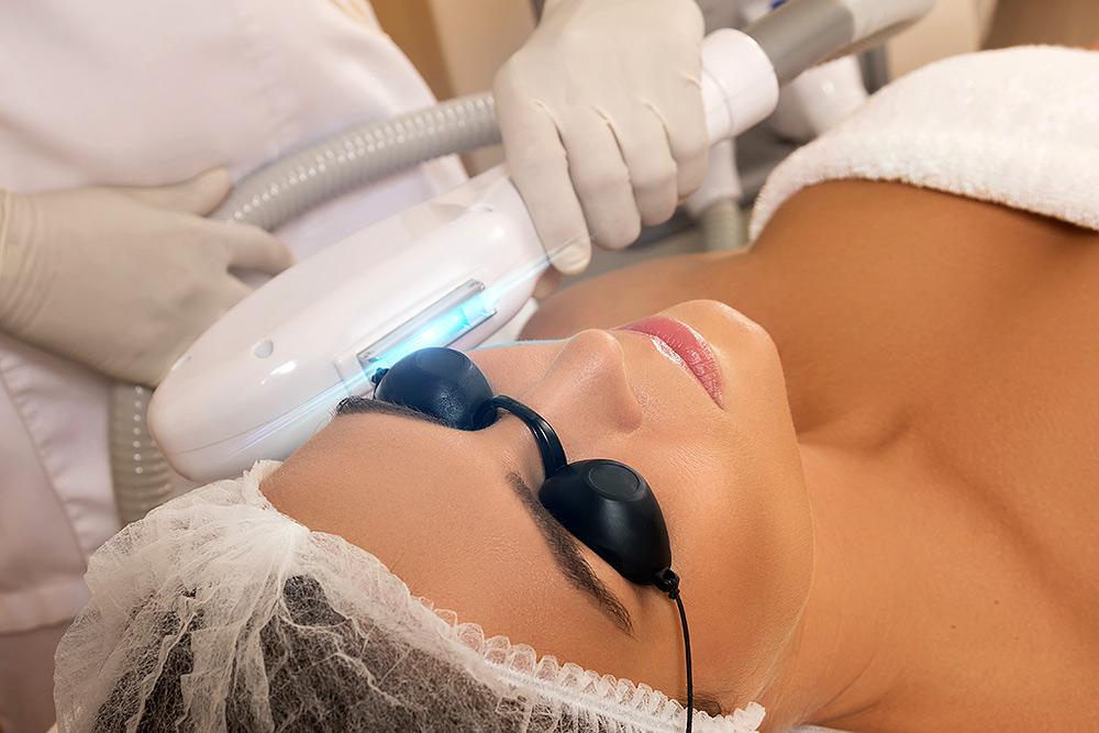 Stilpunkte-Blog: Lichtwellen-Behandlung, Beauty Skin Cologne in Köln. Kosmetikinstitut, spezialisiert auf Medical Beauty, Anti-Aging, Faltentherapie, Hautprobleme, Bodyforming, Fettreduktion, dauerhafte Haarentfernung, Ultraschall, Radiofrequenz, Aquabrasion, Mikrodermabrasion, Mesoporation, HIFU, Microneedling, Kryolipolyse, Lipolaser, Infrarotlichttraining, Cellulite-Behandlung, Drei-Wellen-Diodenlaser und SHR-Methode.
