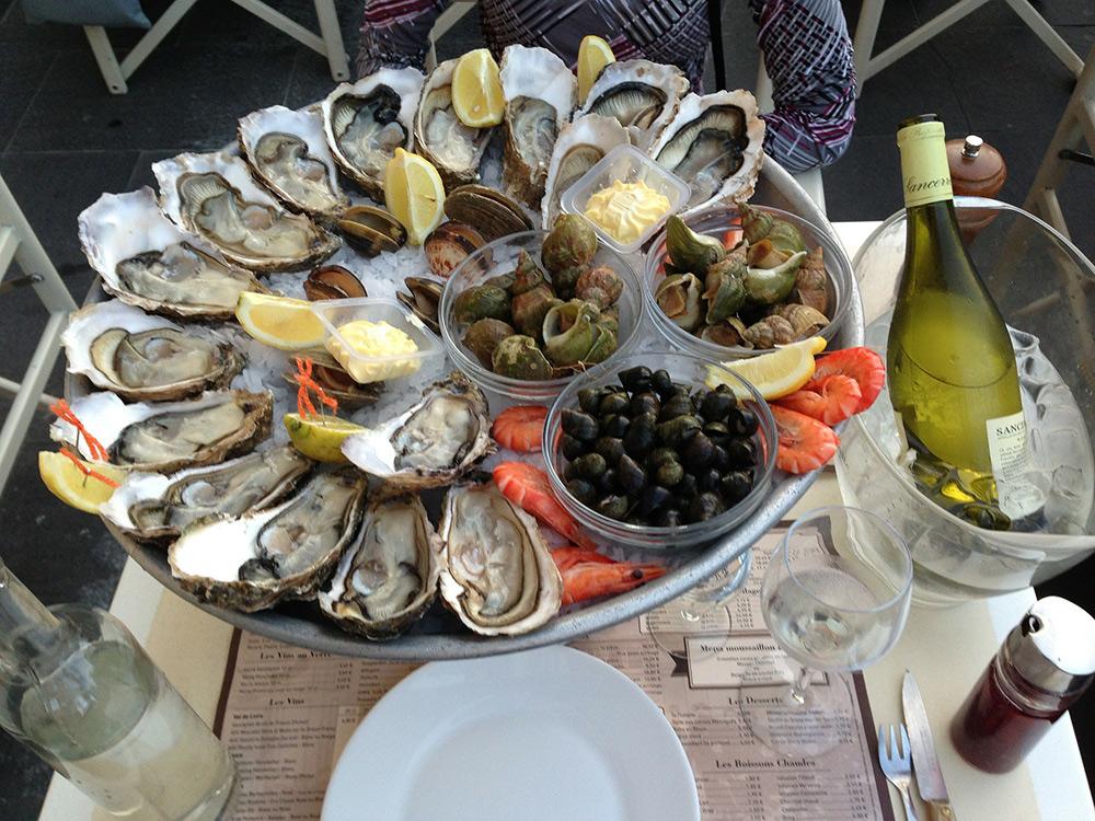 Stilpunkte-Blog: Gaumenfreuden im Urlaub in der Bretagne, Fischgerichte, Muscheln, Austern und Hummer bei gutem Wein. Französische Lebensart.