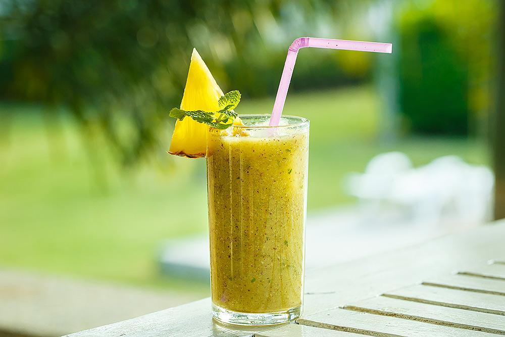 Stilpunkte-Blog: Ananas-Orangen-Smoothie zum Abnehmen als Ersatz für eine Mahlzeit des Tages.