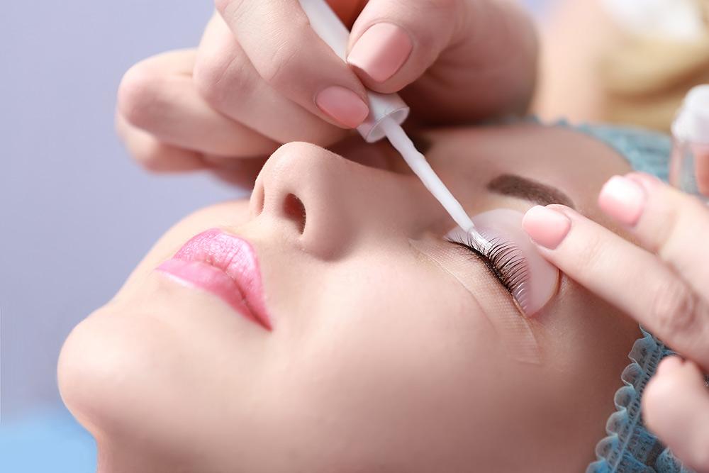 Stilpunkte-Blog: Wimpern Lifting, Behandlung im spezialisierten Kosmetikstudio.