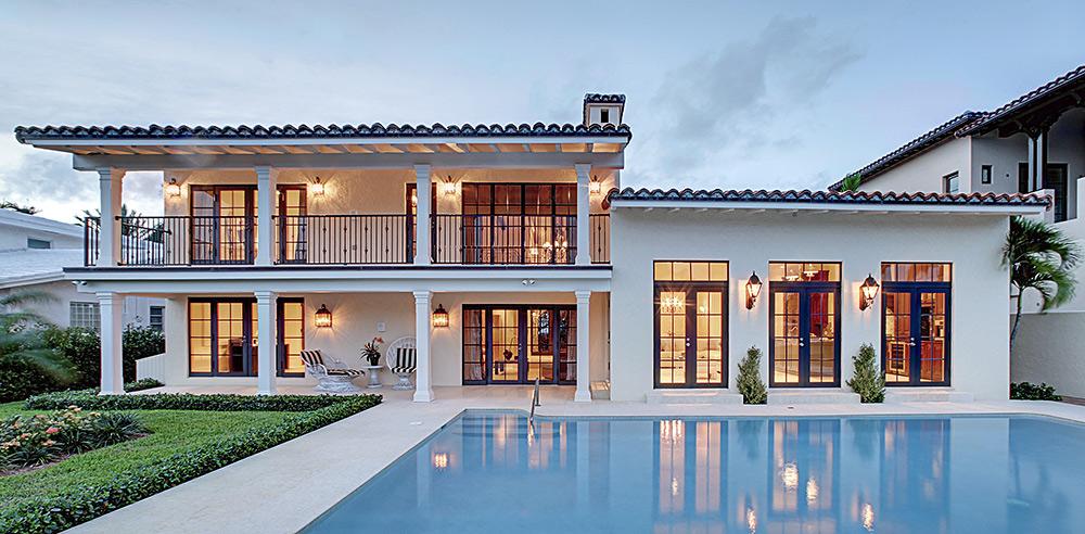 Stilpunkte-Blog: Haus mit Pool im sonnigen Süden. Immobilienkauf im Ausland bedarf eingehender Recherche und sachkundiger Beratung.