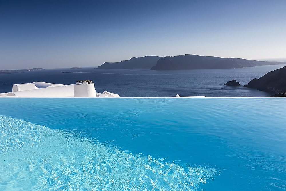 Stilpunkte-Blog: Die spektakulärsten Infinity-Pools, Santorini, Kykladen, Ägäis, Caldera-View