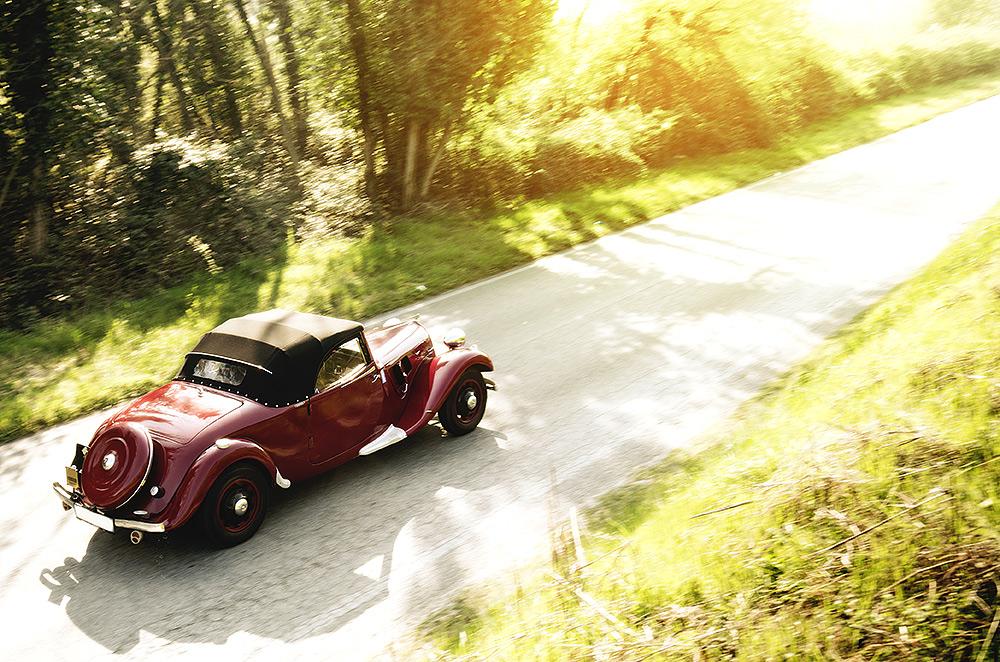 Stilpunkte: Mit dem Cabrio-Oldtimer mieten unterwegs ins Grüne