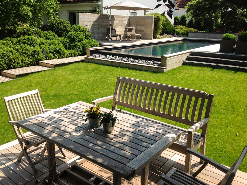 Stilpunkte-Blog: Sitzgruppe und Pool, Foto: Jensen Landschaftsarchitekten