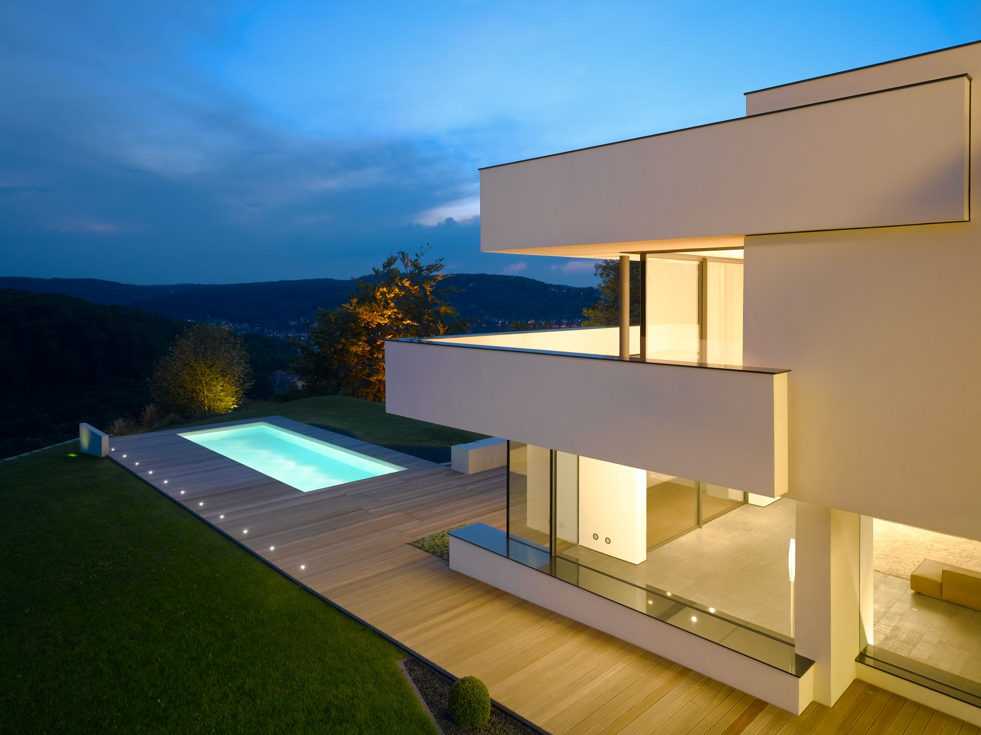 Stilpunkte-Blog: Haus am oberen Berg, Nachtaufnahme, Alexander Brenner, Foto: Zooey Braun